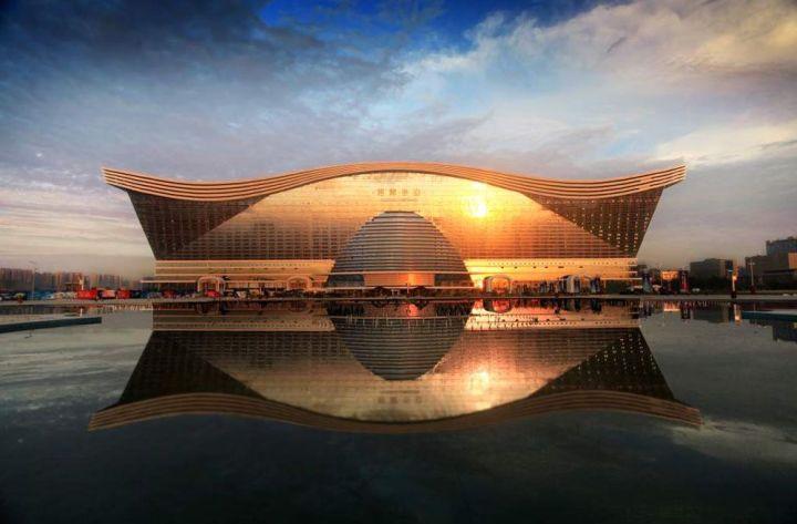New-Century-Global-Centre-are-o-suprafata-de-trei-ori-cat-cea-a-Pentagonului-www.oriens.ro_