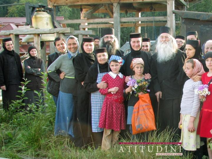 Parintele-Justin-la-azilul-de-batrane-al-Manastirii-Paltin-Petru-Voda