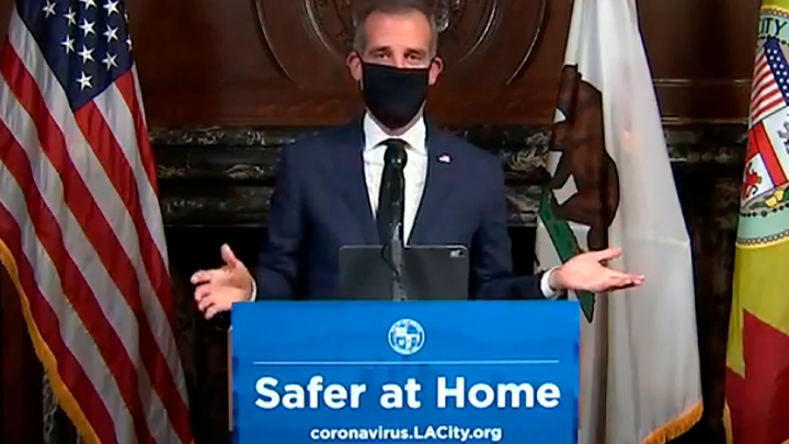 Vigilant Citizen: Masca de protectie, un simbol puternic al asupririi COVID.